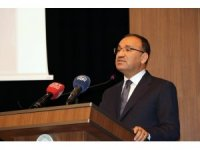"""Başbakan Yardımcısı Bozdağ: """"Afrin'de normalleşme süreci başladı. Şimdi alanı terörden temizledik"""""""