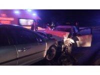 Akhisar'da trafik kazası: 2 ölü, 1 yaralı