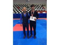 Tekvandoda Büyükşehir'in sporcusu Ali Karadoğan şampiyon oldu