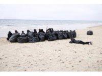 OMÜ'lü çevreci öğrenciler Sinop'ta Sarıkum'u temizledi