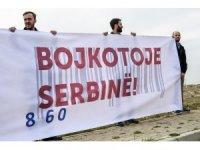 Kosova'da Sırbistanlı şirketler protesto edildi