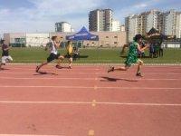 En hızlı atlet olmak için koştular