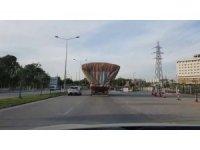Adana'da aşırı yük taşıyan kamyonlar tehlike saçtı