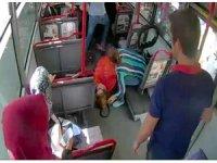 Otobüste kalp krizi geçiren kadın hastaneye yetiştirildi