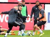 Beşiktaş'ta E. Yeni Malatyaspor mesaisi Güneş'siz başladı