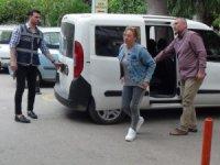 Manisa'da fuhuş operasyonu: 3 gözaltı