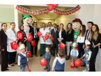 Hasta çocuklar 23 Nisan'ı hastanede kutladılar