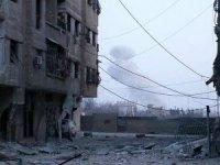 Esed rejimi kuşatma alanlarına saldırıyor