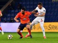 Spor Toto Süper Lig: Medipol Başakşehir: 1 - Kayserispor: 0 (İlk yarı)