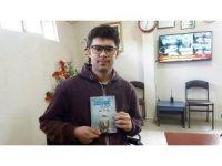 Halil Talha Koç'un 'Elleri üşüyen adam' isimli kitabı çıktı