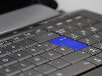 Öğrencilere tablet yerine klavyeli bilgisayar verilecek