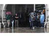 Moskova'da fırtına: 1 ölü, 7 yaralı