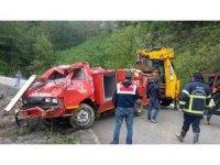 Ordu'da itfaiye aracı uçuruma yuvarlandı: 2 yaralı