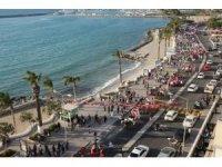 Kuşadası'nda renkli turizm haftası korteji