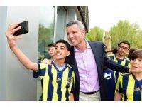 Sadettin Saran, Fenerbahçe forması hediye etti