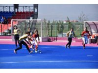 Gaziantep Polisgücü Kadın takımı gol olup rakip kalelere yağıyor