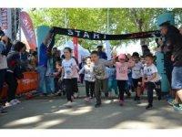 İznik'te tarihi kent ve çocuk koşusu yapıldı