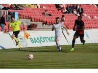 Spor Toto 1. Lig: Balıkesirspor Baltok: 0 - Ümraniyespor: 1 (İlk yarı)