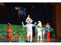 Çocuklar Efeler'de bayramlarına tiyatro ile başladı