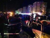 Düğün konvoyunda kaza: 22 yaralı