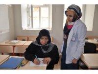 Suriyeli nine 6 çocuğu ve 21 torununu görmek için savaşın bitmesini bekliyor