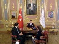 İstanbul Valisi Vasip Şahin, makam koltuğunu öğrencilere devretti