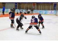 İstanbul Büyükşehir Belediyesinden çocuklara özel Buz Hokeyi Turnuvası