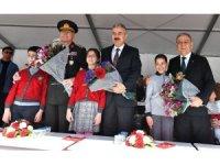 İzmir'de 23 Nisan'a coşkulu kutlama