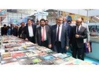 Aksaray Belediyesi kitap ve çocuk festivali fuarını açtı