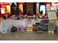 Çocuk destek merkezindeki çocuklar kendi elleriyle yaptıkları ürünleri sergiledi