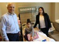 Özel İmperial Hastanesi'nde tedavi gören çocuklara 23 Nisan hediyesi