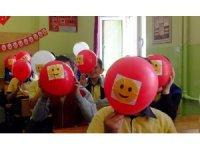 Uşak'ta 'Aile içi iletişimsizlik' konulu sosyal sorumluluk kampanyası gerçekleşti