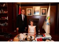Sözlü, makam koltuğunu Ecem Ecrin Aydoğdu'ya bıraktı