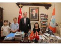 23 Nisan kutlamalarında başkanlık koltuğu çocuklara emanet