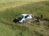 Otomobil tarlaya uçtu: 1 ölü, 3 yaralı