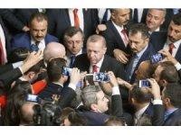 """Cumhurbaşkanı Recep Tayyip Erdoğan, CHP'nin İYİ Parti'ye desteğiyle ilgili, """"Demokrasi nezaketi bu anlayışla olmaz. Güneş Motel olayından daha beter bir durum"""" dedi."""
