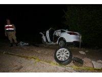 Anne ile oğlu trafik kazasında hayatını kaybetti