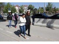 Bolu'da durdurulan çiftin arabasından 8 kilo 30 gram uyuşturucu çıktı