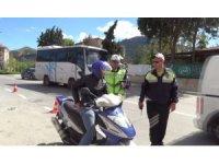 Isparta'da polis sürücülere göz açtırmadı