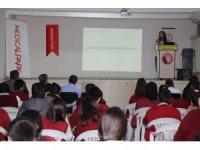 """Öğrencilere """"Hijyen ve Obezite"""" semineri"""