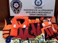 Çeşme'de 32 göçmenle yakalanan insan taciri tutuklandı