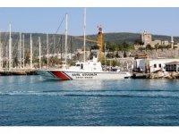 Yunanistan'a kaçmak isteyen FETÖ'cü eski hakimlerin de bulunduğu tekne kayalıklara çarptı