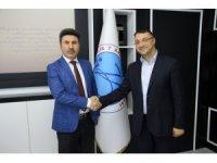 Akademisyen Kemal Tahir çalışmasıyla kültür sanat ödülü aldı