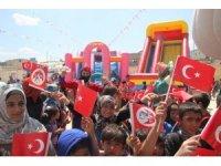 Suriye'de savaşın çocukları gönüllerince eğlendi