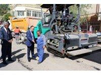 Başkan Saygılı, asfalt kaplama çalışmalarını inceledi