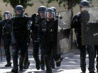 Fransa'da iki üniversiteye daha operasyon