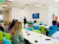 Lapseki Devlet Hastanesinde Hizmet içi Eğitim Semineri yapılıyor