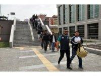 FETÖ'den mahkemeye çıkarılan 20 askerden 13'ü tutuklandı