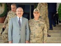 Jandarma Genel Komutanı Orgenaral Çetin Mardin'de