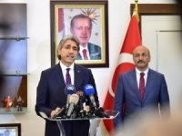 Fatih Belediye Başkanı Mustafa Demir milletvekilliği aday adaylığı için görevinden istifa etti